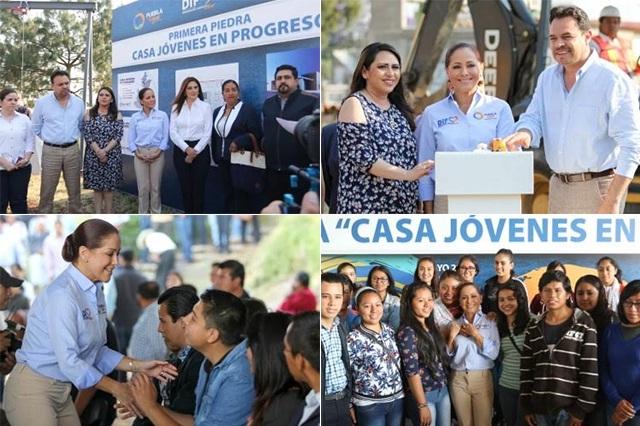 Colocan la primera piedra de la Casa de los Jóvenes, en Zacatlán