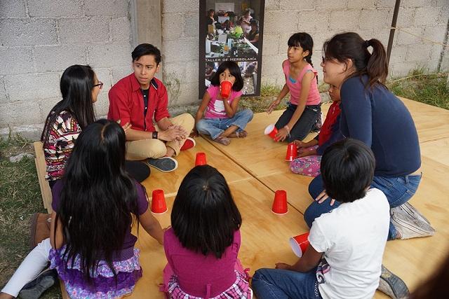 El trabajo desde las comunidades reconstruirá el tejido social: IBERO