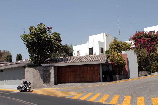 En marcha ocupación de Casa Puebla, aseguran
