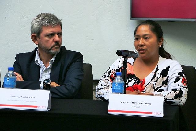 Acusan fisuras y goteras en casas para damnificados en Puebla