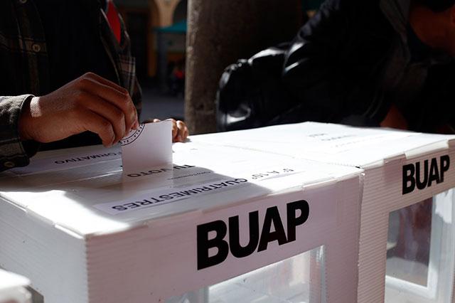 Lanza BUAP convocatoria para elegir rector el 11 de septiembre