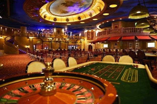 Gana una fortuna en el casino y la pierde por un número mal puesto