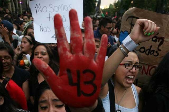 Desde Dinamarca, EPN confirma que el GIEI dejará el caso Ayotzinapa