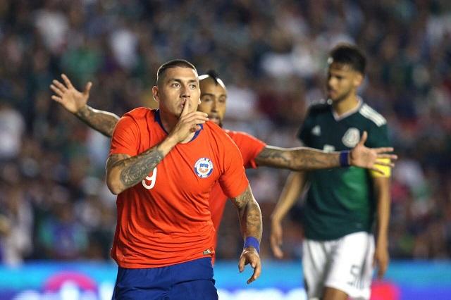¡Te pasas Nico! El delantero chileno dice que le gustaría volver a Pumas