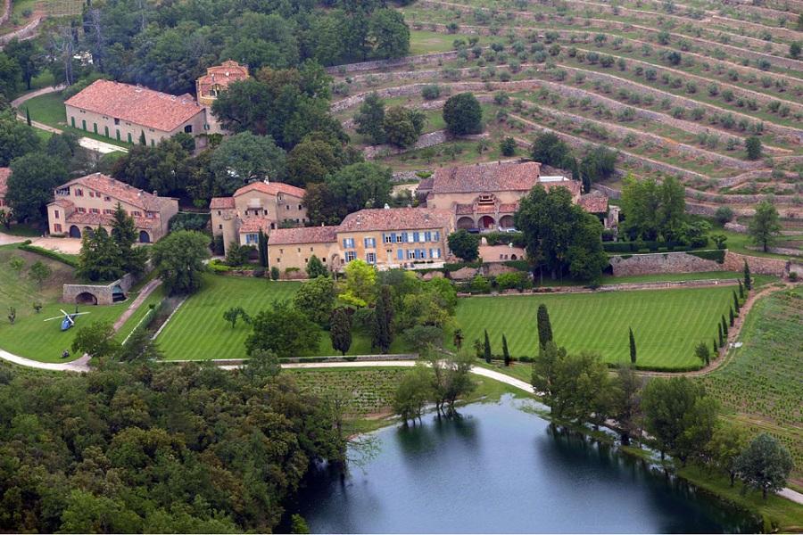 Angelina Jolie y Brad Pitt venderán castillo francés donde se casaron