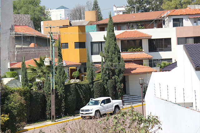 Ejército y PGR hacen cateos en San Andrés y en Puebla