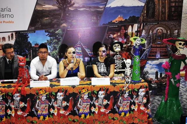 Catrinas sí, zombis no, dicen en Festival de Muertos en Cholula