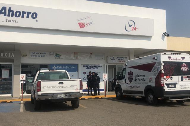 Falla asalto en farmacia de Amozoc; mujer con crisis