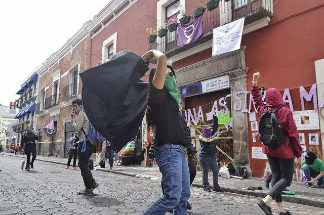 Apoya CDH protesta de mujeres contra violencia en Puebla
