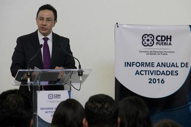 Piden organizaciones de abogados destituir al presidente de la CDH Puebla