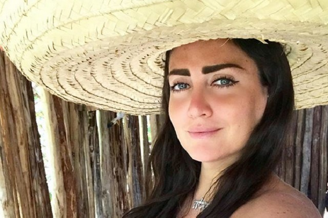 Revelan fotos del arresto de Celia Lora en Playa del Carmen