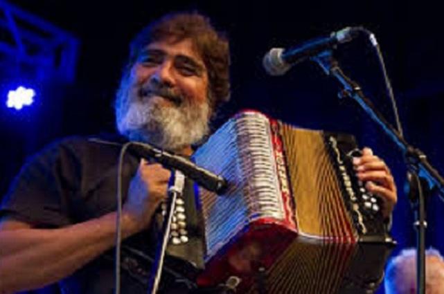 ¿Quién era Celso Piña, cantante que falleció por un infarto?