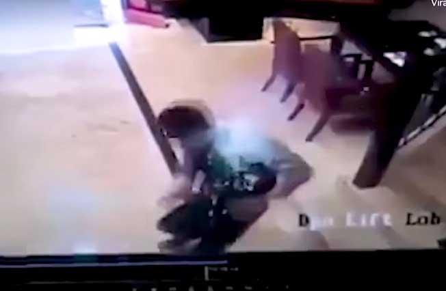 Video: Graban momento en que le explota el celular a un hombre