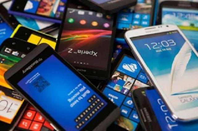 Tienen un teléfono celular 97 de cada 100 mexicanos, revela estudio