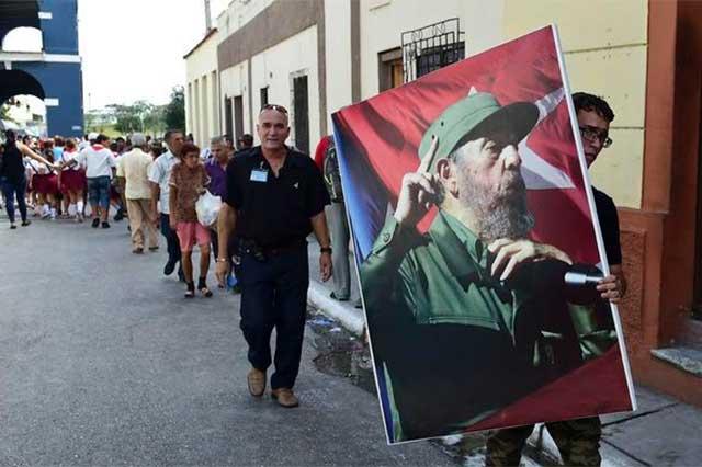 Las cenizas de Castro recorren el último tramo de la Caravana por la Libertad