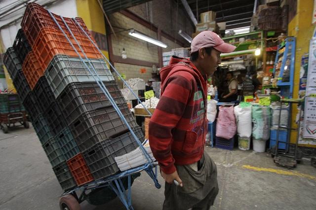 Niegan venta de mercancía robada en Central de Abasto de Puebla