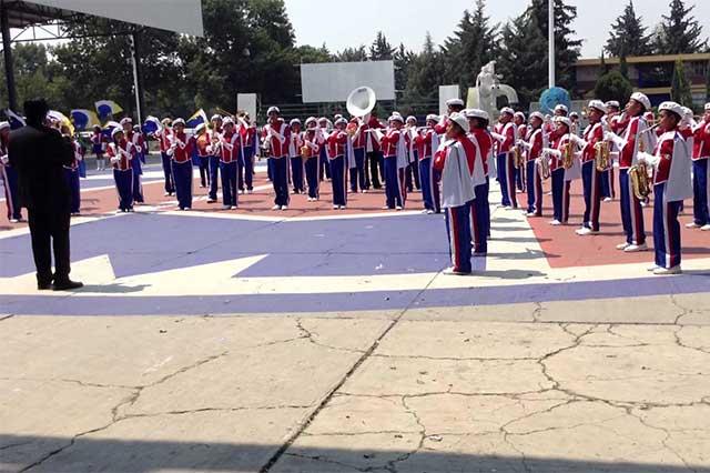 Dejan sin clases a alumnos del Centro Escolar Morelos, acusan padres