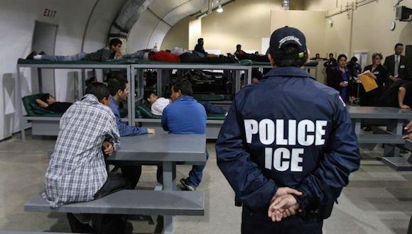 Trump planea encarcelar a padres que lleven a sus hijos a EU