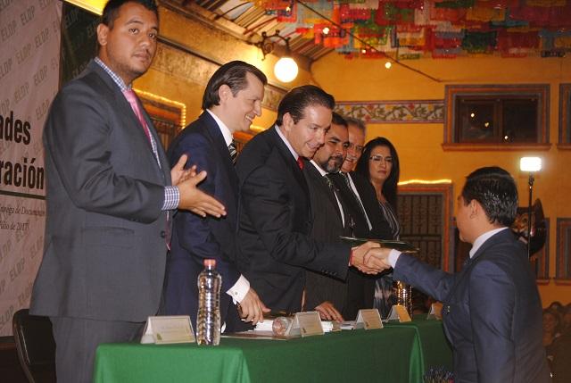 Se gradúa Generación 2012–2017 de la Escuela Libre de Derecho de Puebla