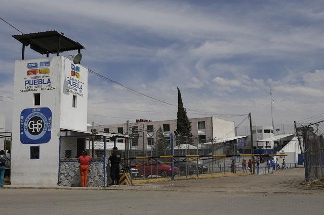 Se suicida presunto homicida en las regaderas de San Miguel