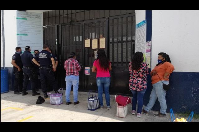 Paro en penal de Tehuacán por acusaciones contra custodios