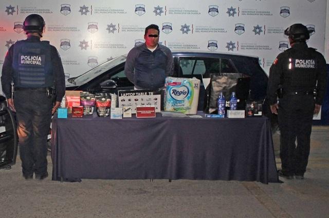 Robaba a empresas de paquetería en Puebla