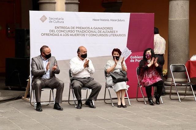 Premia Secretaría de Cultura a ganadores de concursos literarios