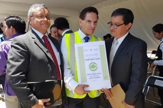Entrega Profepa certificado de industria limpia a BASF en Puebla