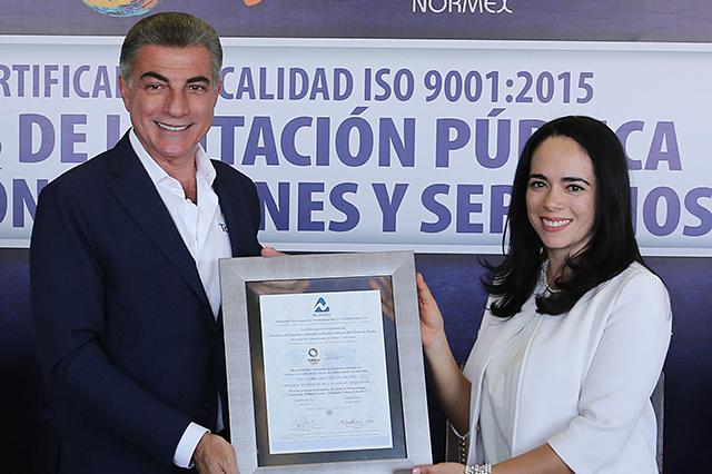 Dan a Gali certificado de calidad por licitaciones de bienes y servicios