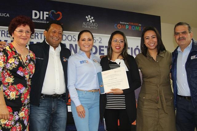 Certifican capacitación en SEDIF y SEP para detección de autismo