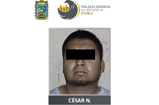 Atrapan a sujeto por bajar a pareja de auto y violar a mujer en Puebla