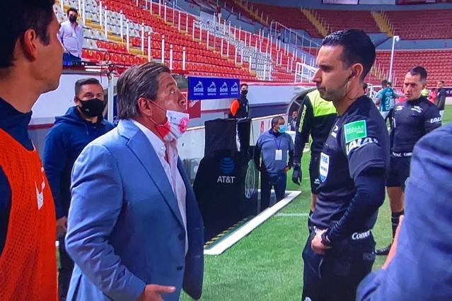 Pelea con el 'Piojo' le cuesta a César Ramos un partido de 'descanso'