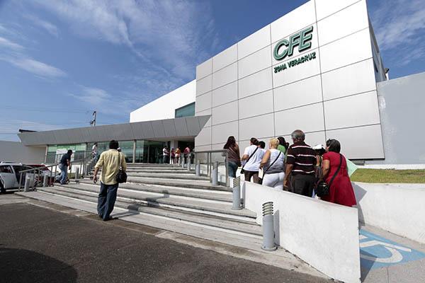 La CFE habría otorgado contratos ilegales por 2 mil millones de pesos