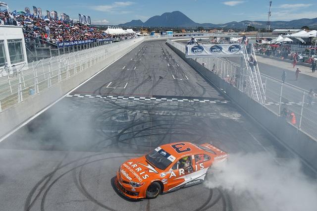 Welter gana en Puebla y asegura título de Nascar Peak Challenge