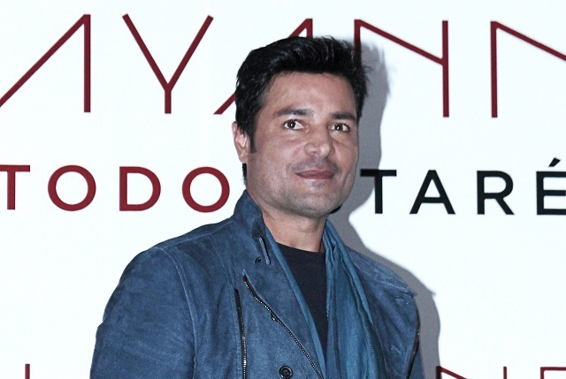 Ricky Martin y Chayanne aconsejan a famoso cantante