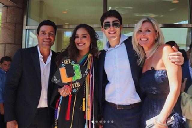 Chayanne se deja ver con su esposa e hijos en un evento memorable