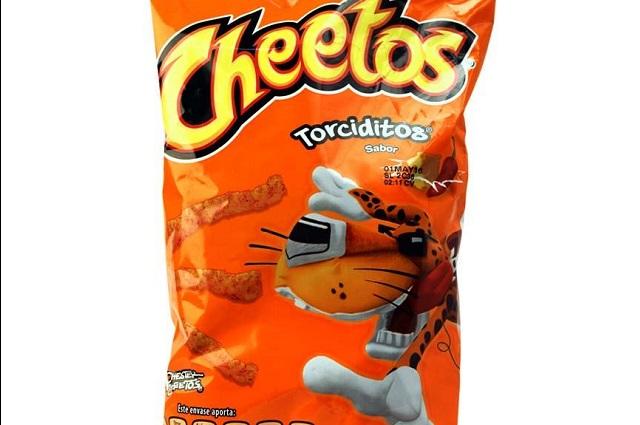 Razones por las que deberías dejar de comer Cheetos Torciditos
