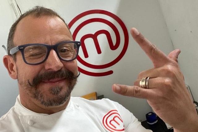 Chef Benito destroza enfrijoladas de Anahí y fans la intentan defender