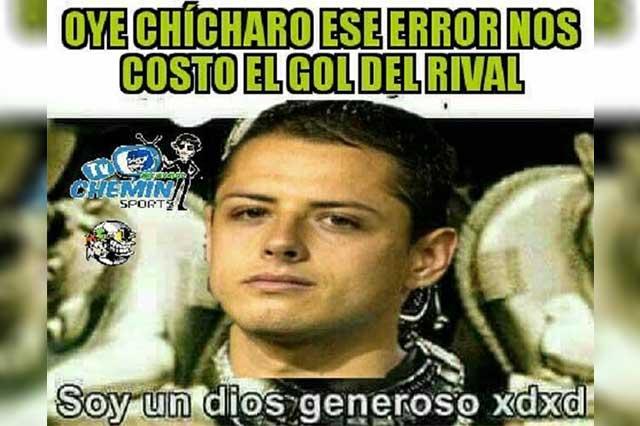 Los memes culpan a Memo Ochoa y se burlan del Chicharito