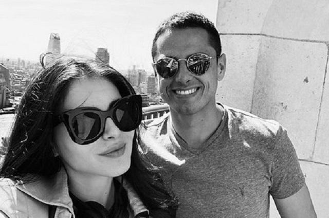 Chicharito pone en duda el final de su romance con Andrea Duro