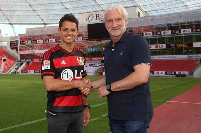 Chicharito Hernández firma con el Bayer Leverkusen