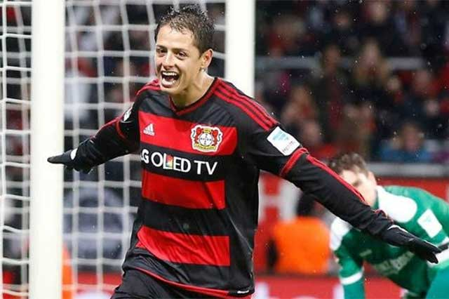Chicharito anota doblete con el Bayer Leverkusen; supera su marca europea