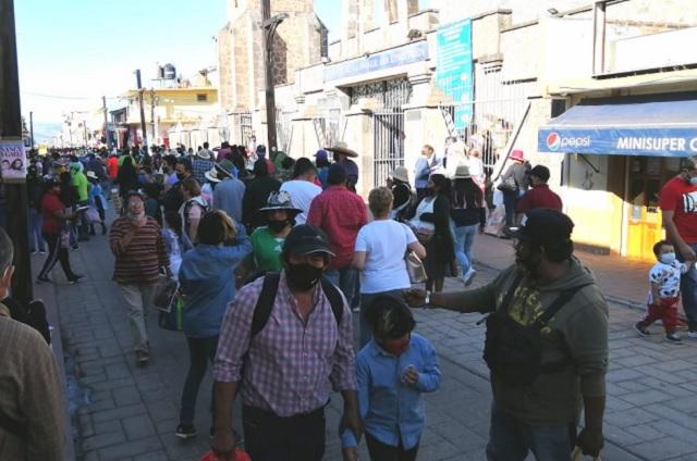 Sin control sanitario transcurre Buen Fin en Chignahuapan