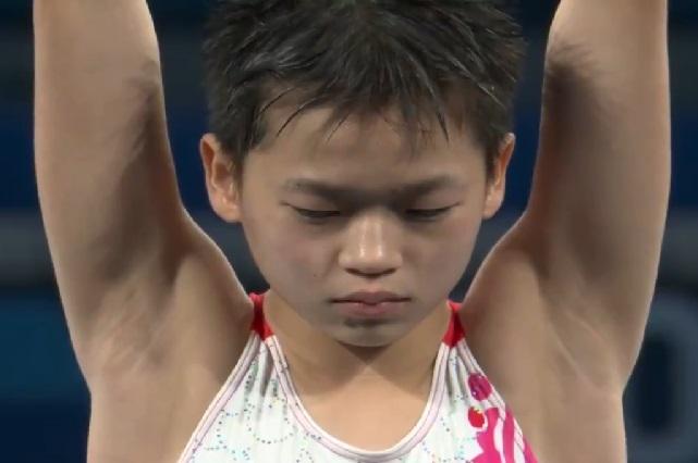 Niña china que ganó oro en JO quiere mantener a su mamá enferma
