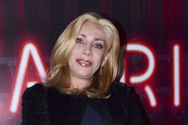 Cynthia Klitbo molesta con famosos tras muerte de Edith González