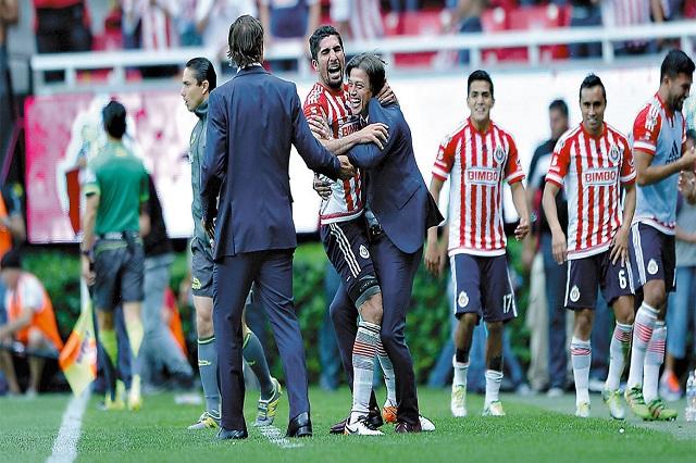 No quiero ni pensar a un Chivas sin Almeyda: Jair Pereira