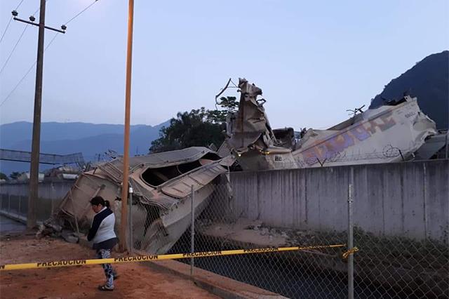 Chocan trenes en Veracruz, dañan casas y dejan heridos