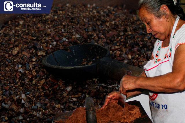 Conservan en Ajalpan tradición centenaria del chocolate artesanal