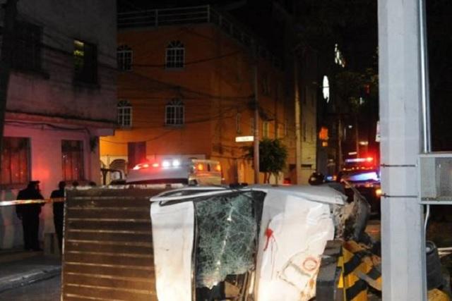 Choque de camioneta contra poste de Viaducto deja saldo de un muerto