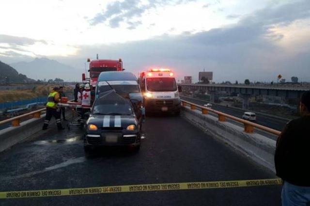 Mueren 2 y 6 resultan heridos por choque en la México-Puebla